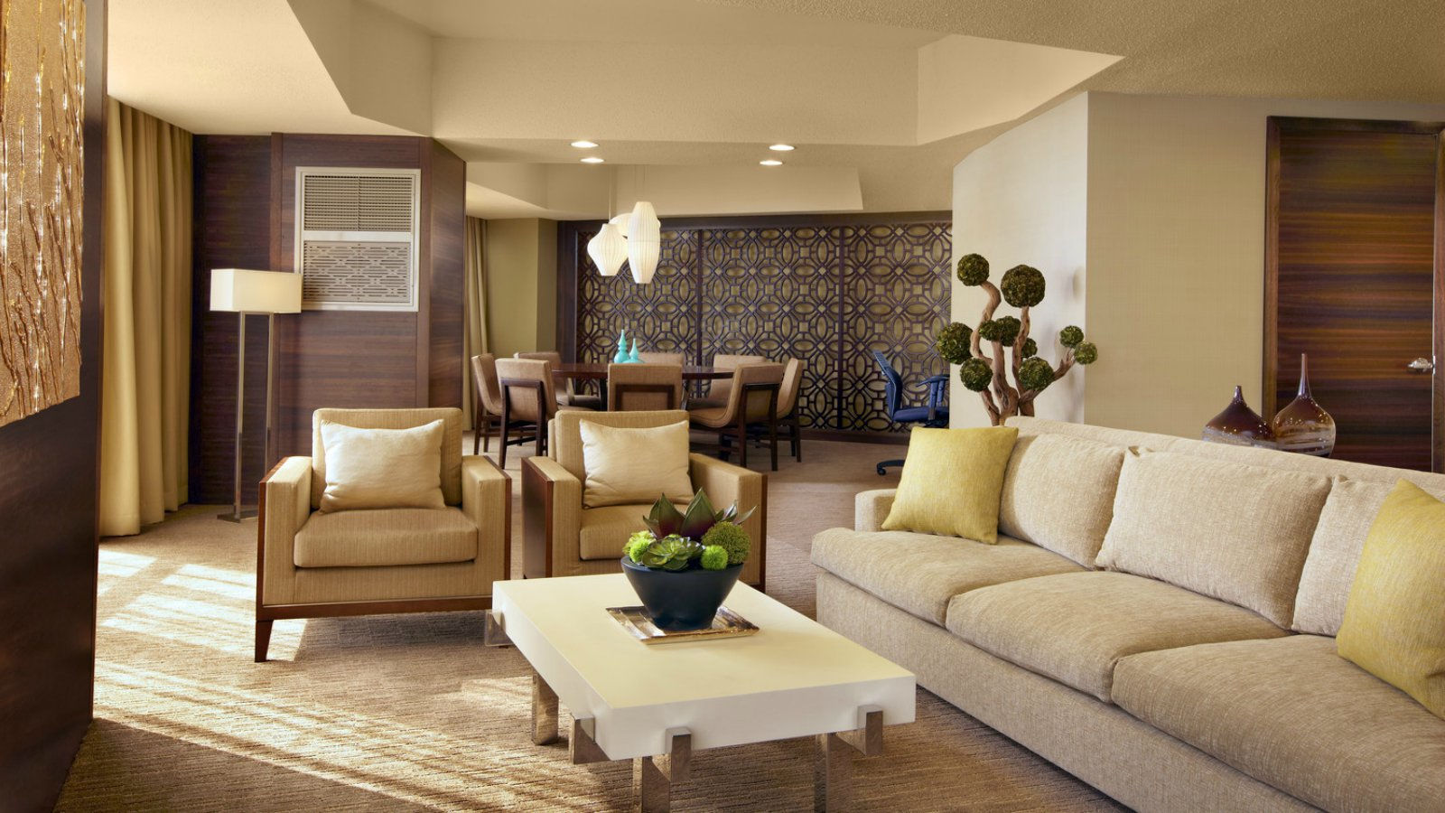 Downton Los Angeles Accommodation - Luxury Suites