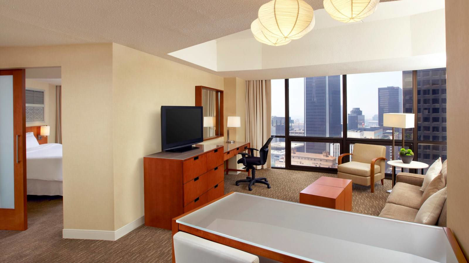 Downtown Los Angeles Accommodation - One Bedroom Tower Suite