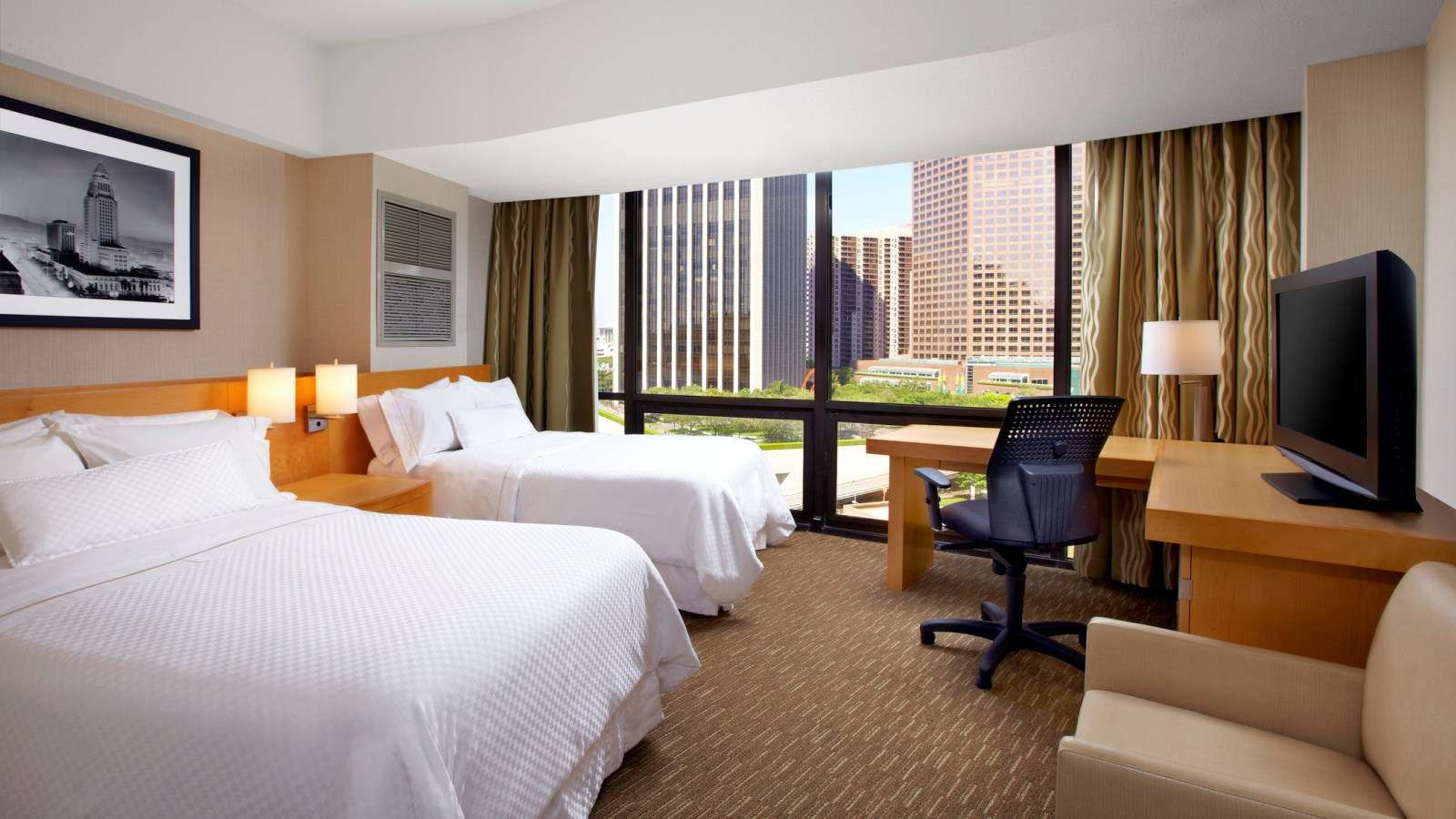 Downtown Los Angeles Accommodation One Bedroom Tower Suite The Westin Bonaventure Los