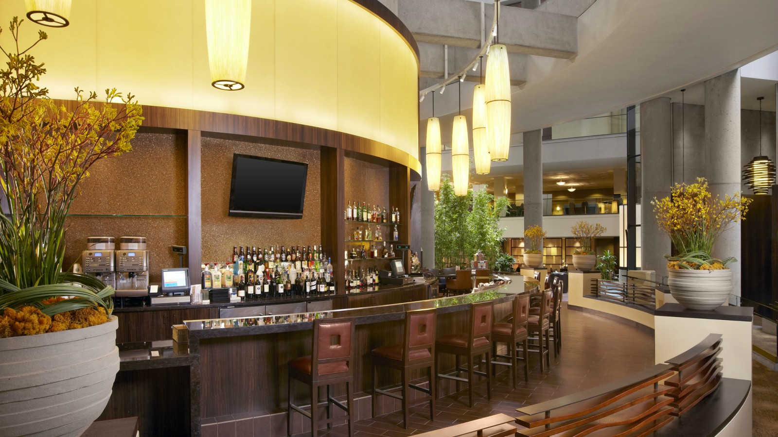 Downtown La Restaurants The Westin Bonaventure Hotel Suites Los